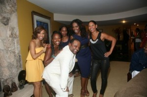 Roland with Elise Neal, Vanessa Bell Calloway, Robinne Lee, Sheryl Lee Ralph, Salli Richardson.