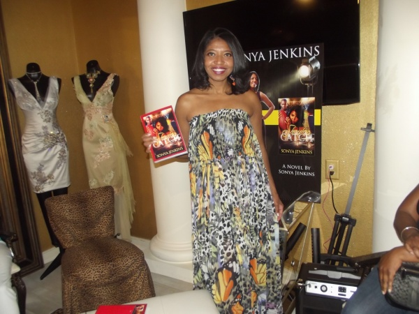 Sonya Jenkins Brings Shayla S Catch Fashionista Book
