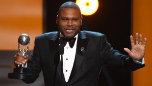 ANTHONY ANDERSON SIGNS MULTI-YEAR DEAL TO CONTINUE AS HOST FOR THE NAACP IMAGE AWARDS