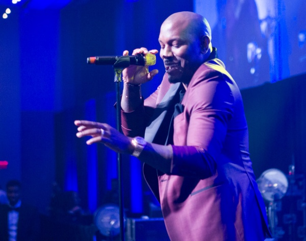 Tyrese Performing at UNCF Mayor's Masked Ball 2017
